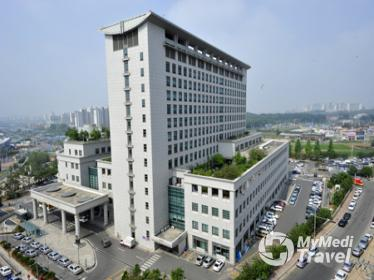 Compare Reviews, Prices & Costs of Pectoral Implants in South Korea at Dongguk University Ilsan Medical Center | M-SO6-1