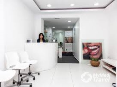 See what other say in reviews about Laser Treatment for Gum Disease in Bangkok at Disseny de Somriures and compare the costs and prices | SP4-108